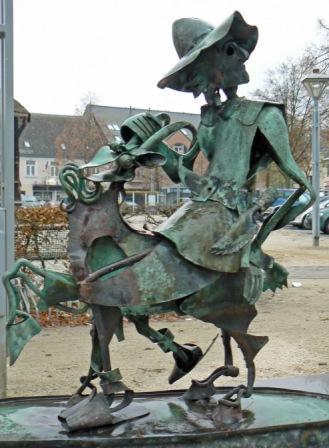 Bokkenrijderbeeld op de Oude Markt Overpelt